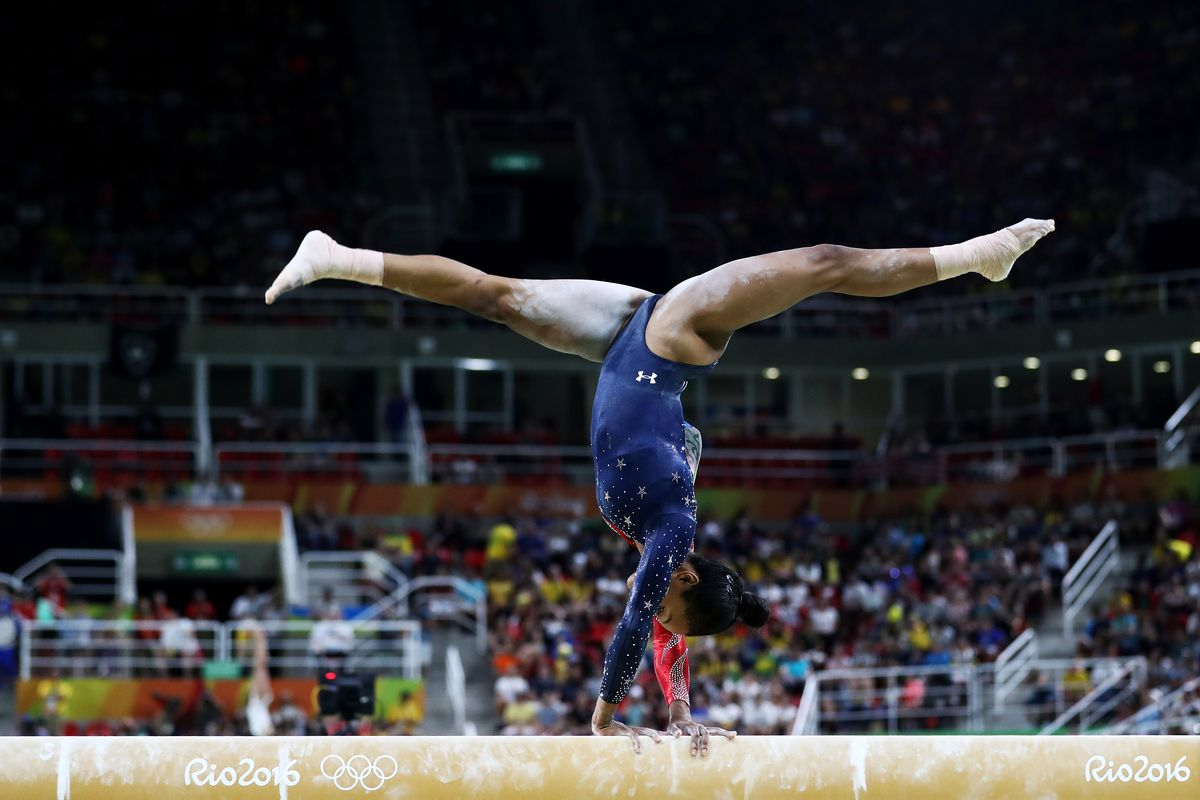 Olympic Gymnast Gabby Douglas Is Very Good At Controlling Her Center Of Mass Ezra Shaw Getty Images