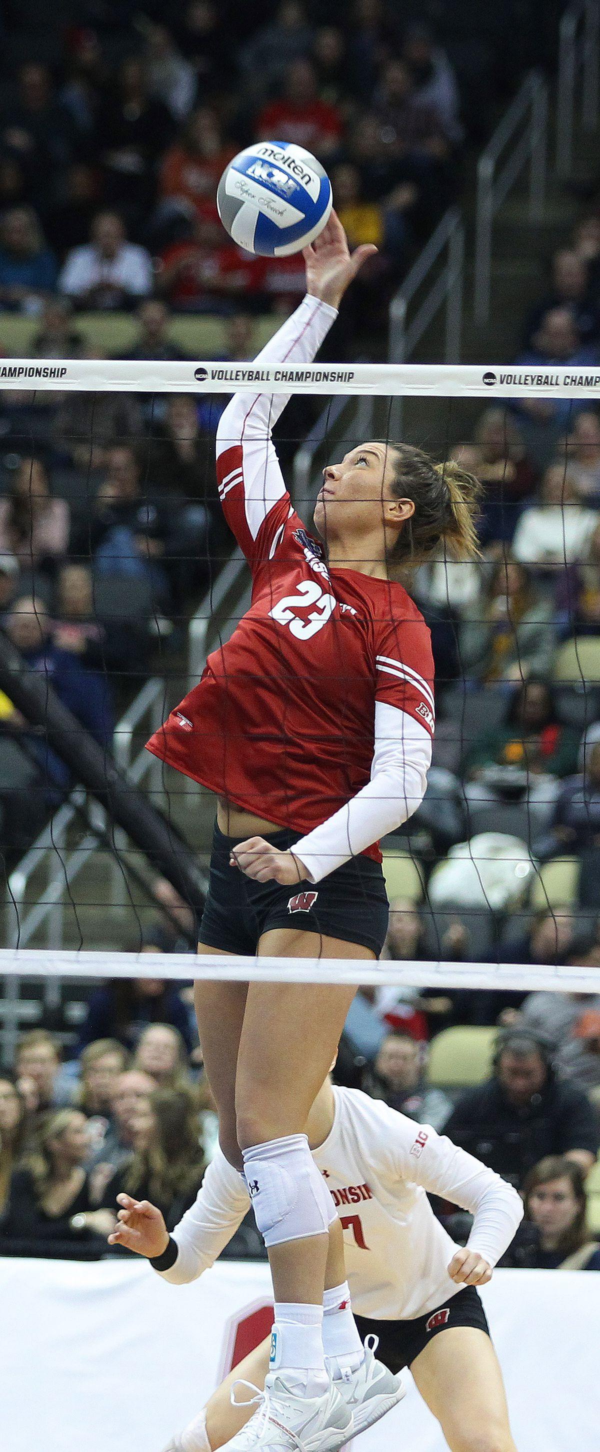 NCAA VOLLEYBALL: DEC 19 Div I Women's Championship - Wisconsin v Baylor