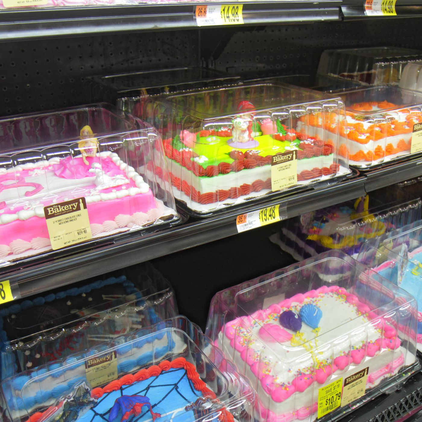 Remarkable Texas Woman Eats Half A Cake At Walmart Refuses To Pay Full Price Personalised Birthday Cards Bromeletsinfo