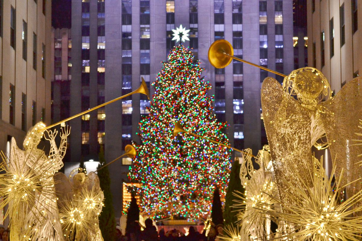 take a ride on the crane that hoists the star atop rockefeller center s christmas tree curbed ny christmas tree