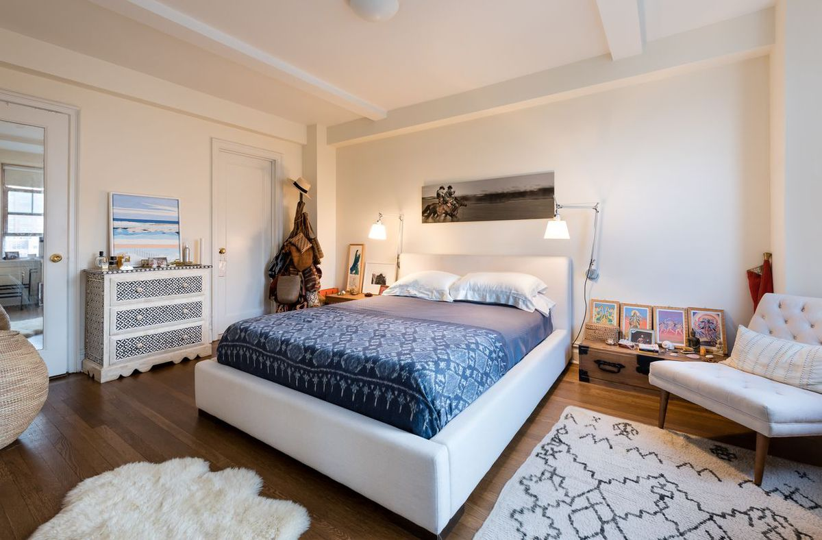 rent this bright and spacious west village one bedroom for 5995month the apartment has lots prewar character including beamed ceilings - Bedroom For Rent