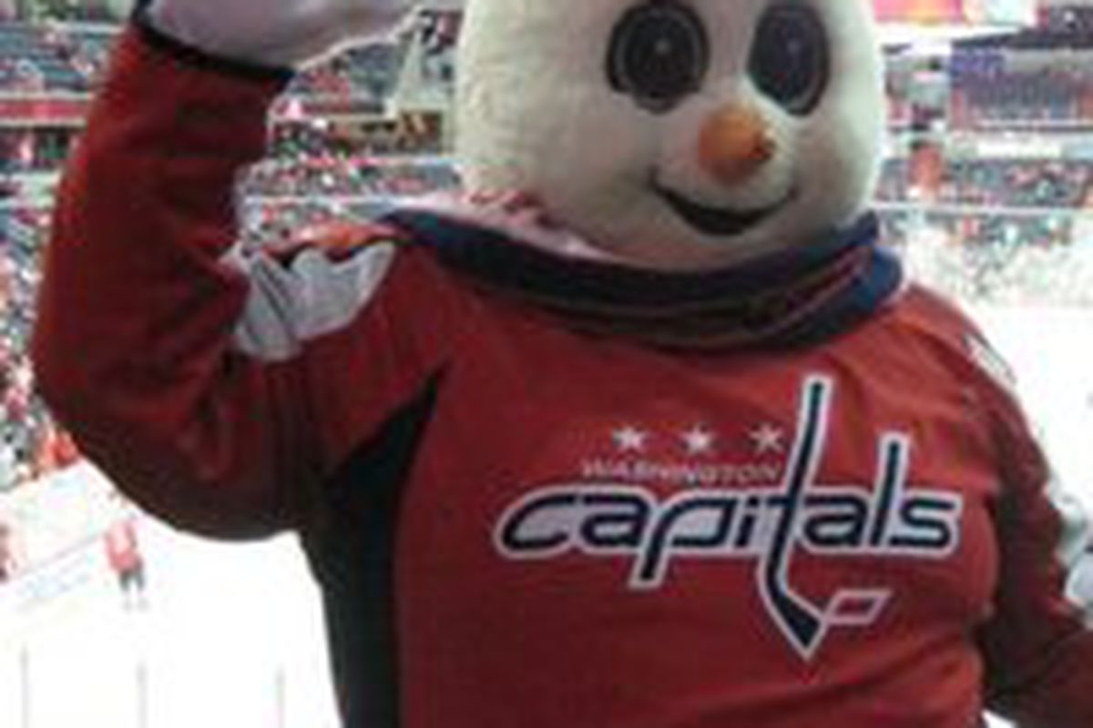 """<a href=""""http://capitalsoutsider.com/2010/12/23/christmas-with-the-caps-and-pens/"""" target=""""new"""">via Capitals Outsider</a>"""