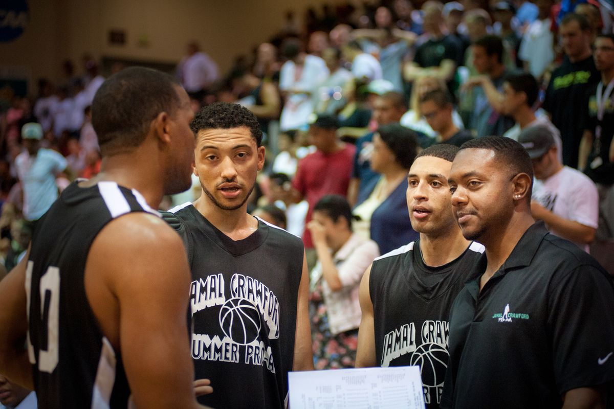 Head Coach Rob Brown with his team at the Seattle Pro Am