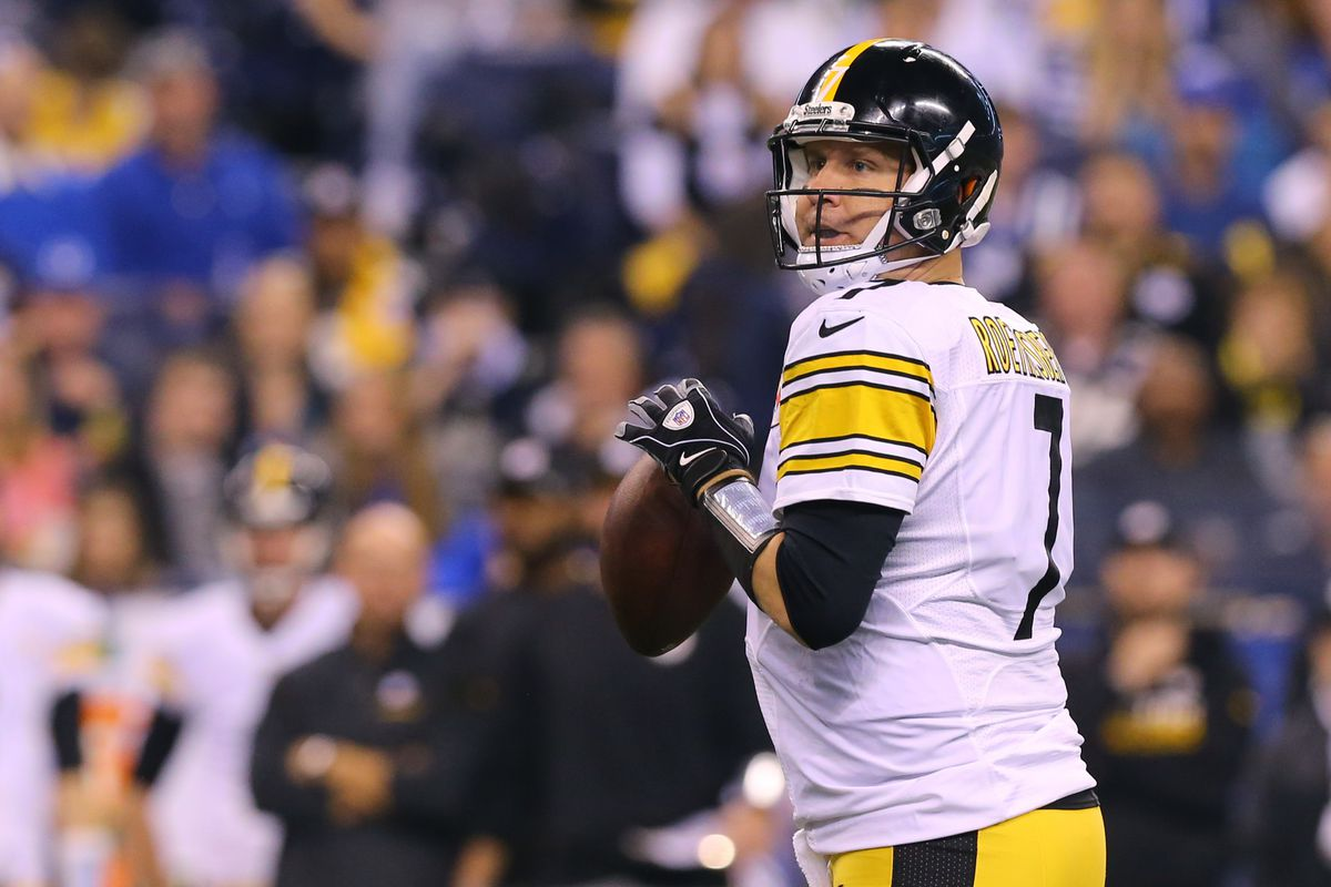 NFL: Pittsburgh Steelers at Indianapolis Colts