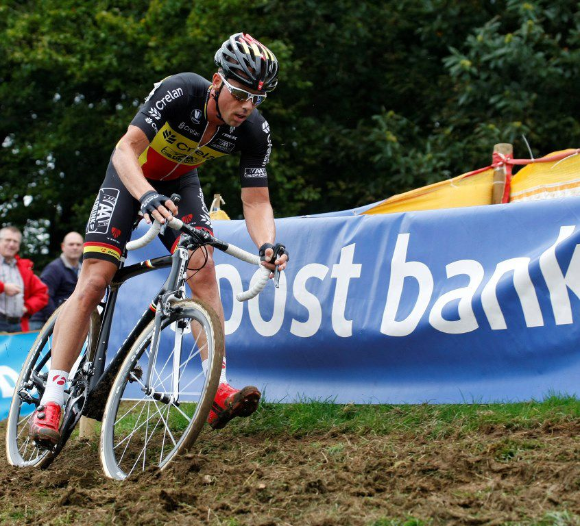 Sven Nys easily leads