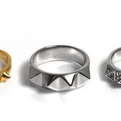 Pyramid Rings set, $30 (from $62)