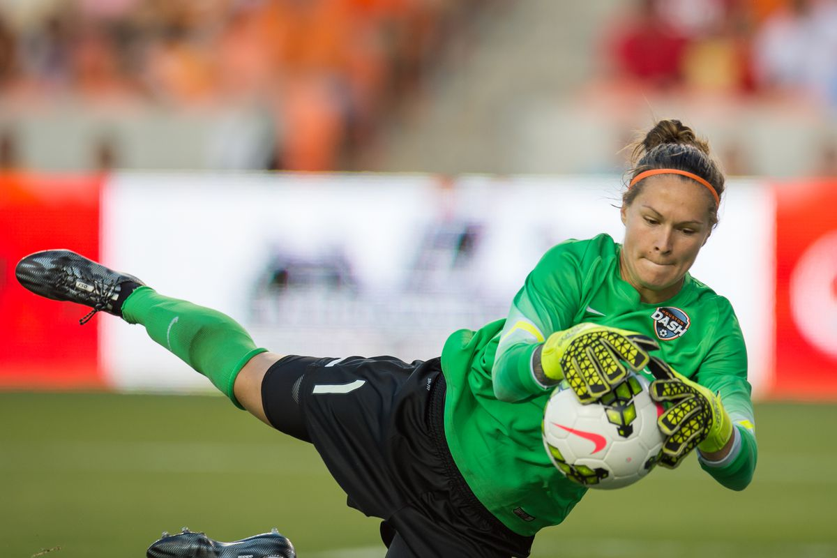 Houston Dash keeper Erin McLeod and her defensive line up will have to remain strong against Seattle Reign FC Wednesday.