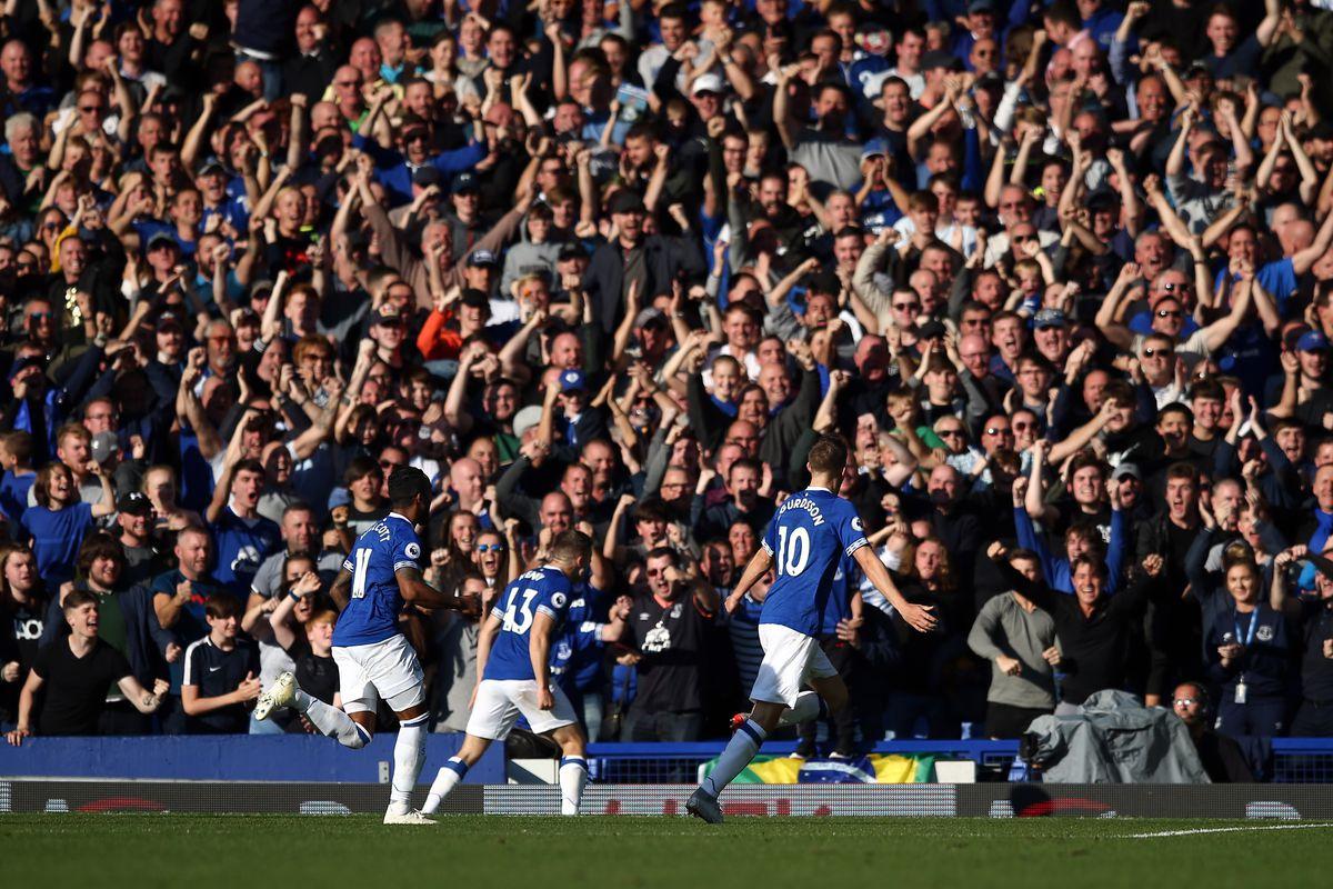 Everton FC v Fulham FC - Premier League