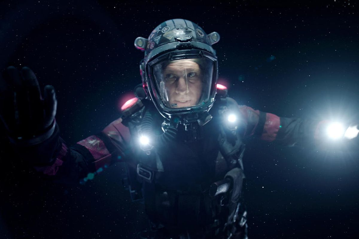 exploring the expanse how a spacewalk scene sums up the show s vfx