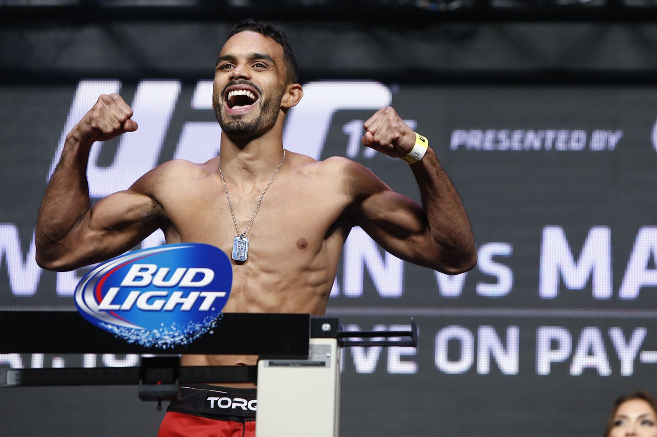 community news, UFC 213 results: Rob Font rolls over Douglas Silva de Andrade