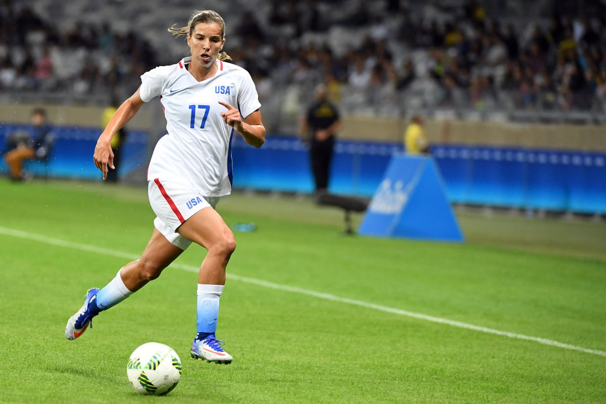 Midfielder Tobin Heath has her eyes set on the NWSL playoffs when she travels with Portland Thorns FC to take on Seattle Reign FC on Saturday.