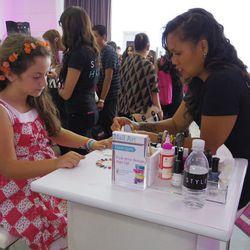 BeautyConners enjoyed free nail art.