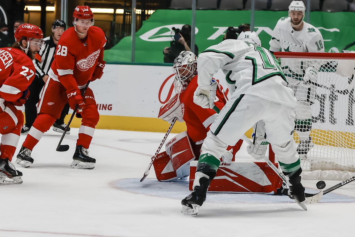 NHL: APR 20 Red Wings at Stars