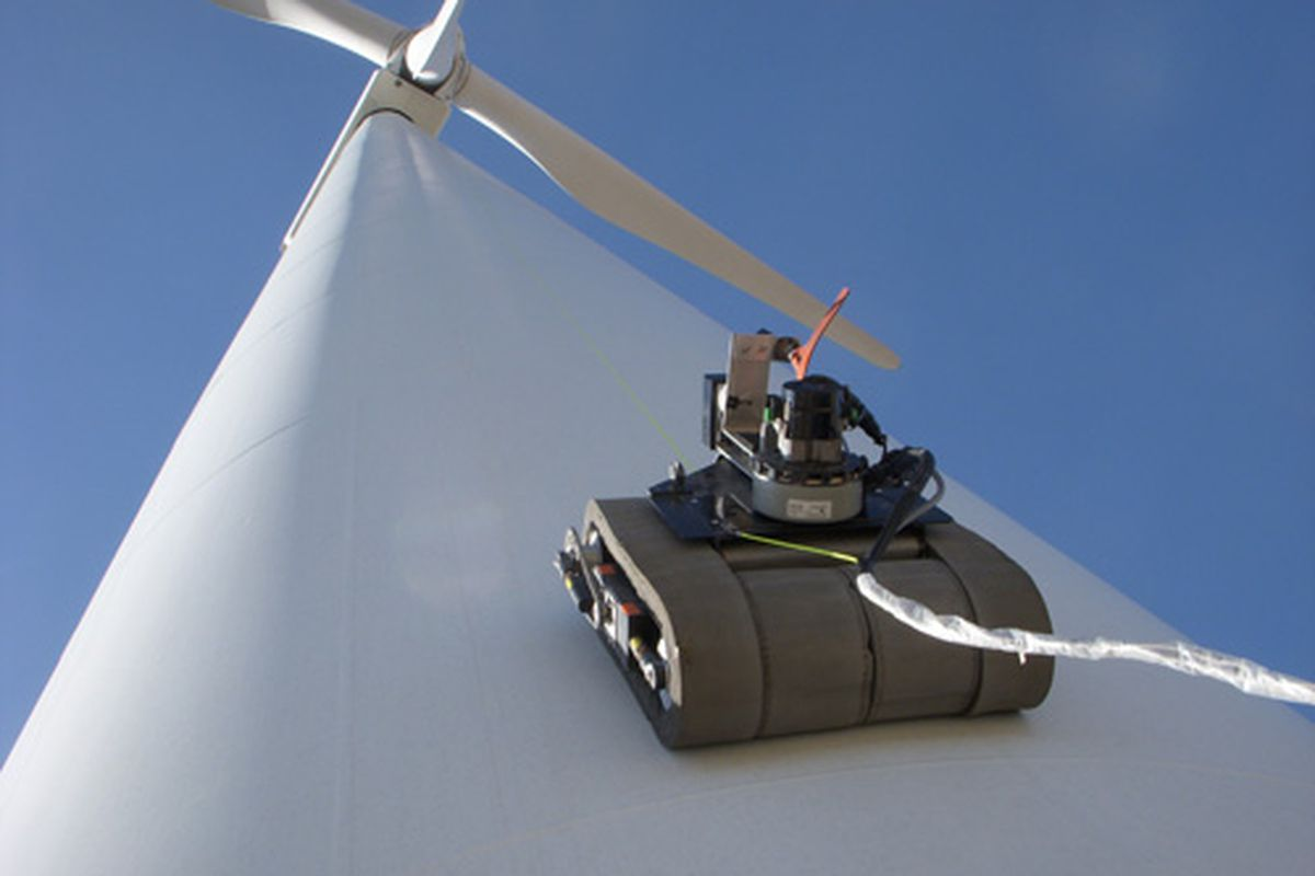 GE wind turbine robot
