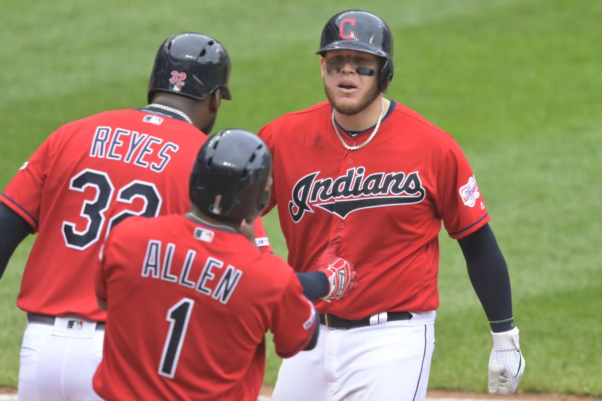 Indians dodge sweep with 7-5 win against the Twins
