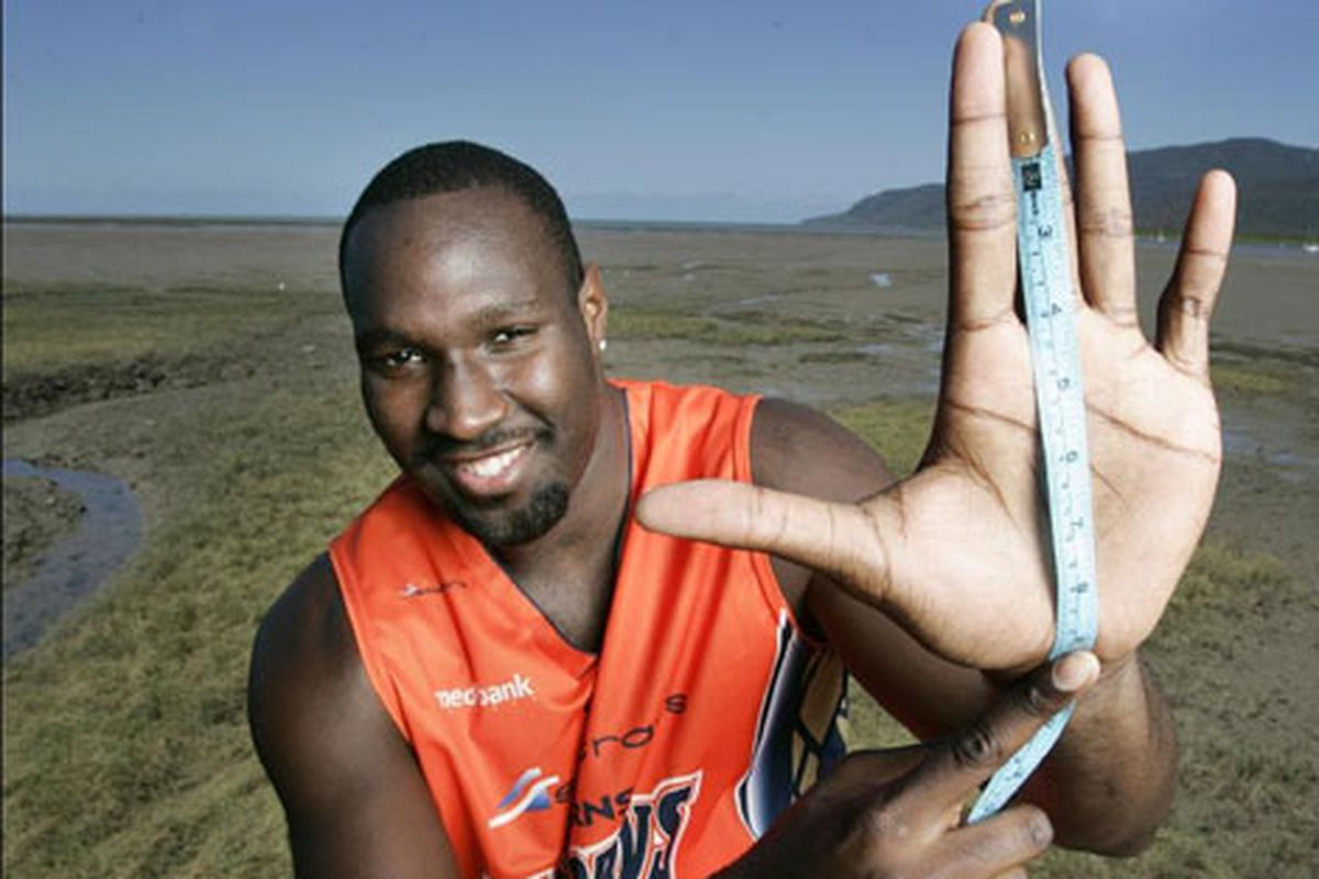 <strong>Nate Jawai</strong> hates Idaho, but in his free time he measures his left hand in the Australian desert?