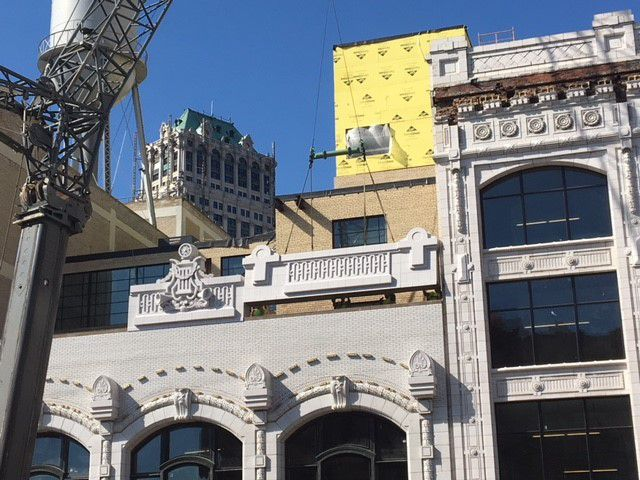 A cornice is back on the Grinnell Building after 60 years ...