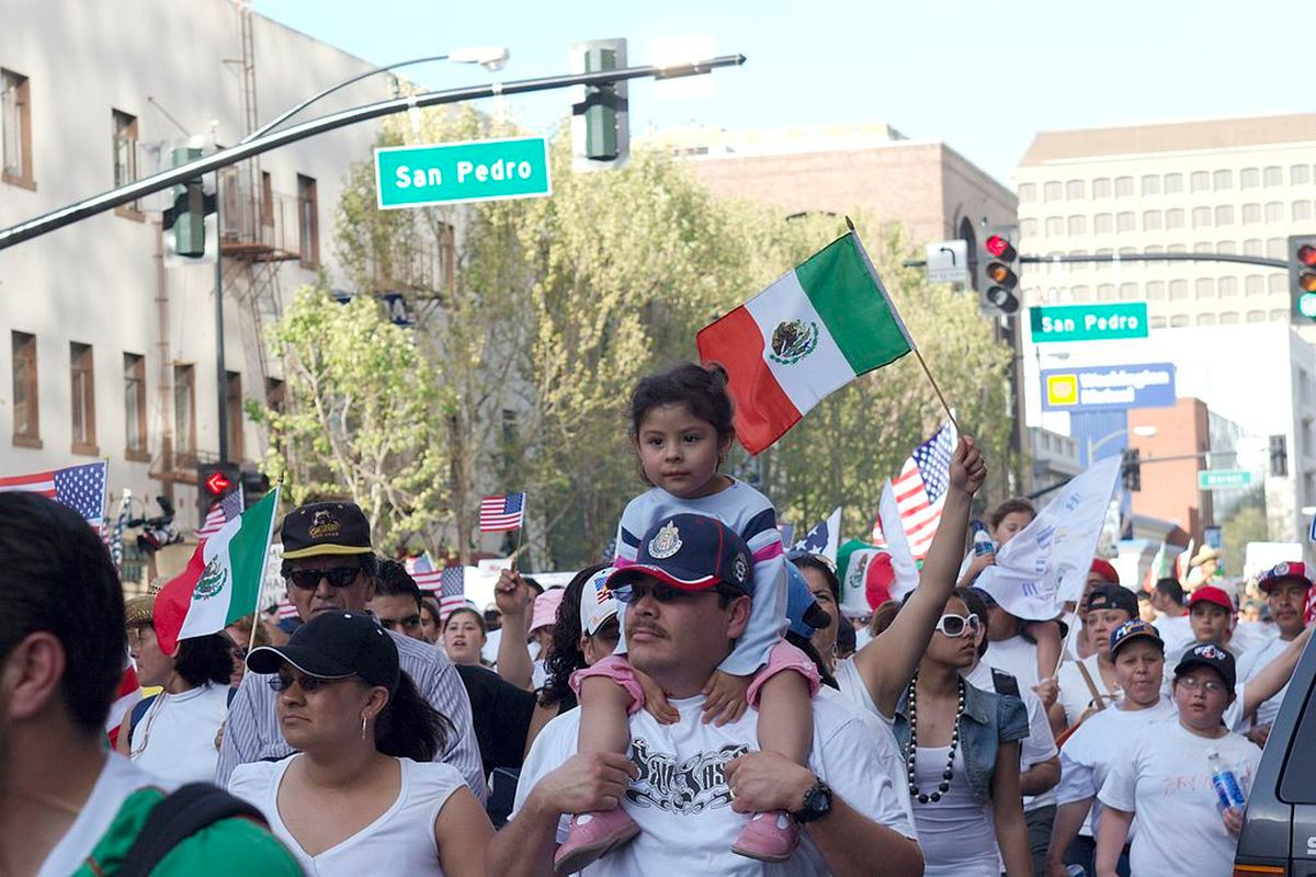 hispanic immigration (wikimedia commons)