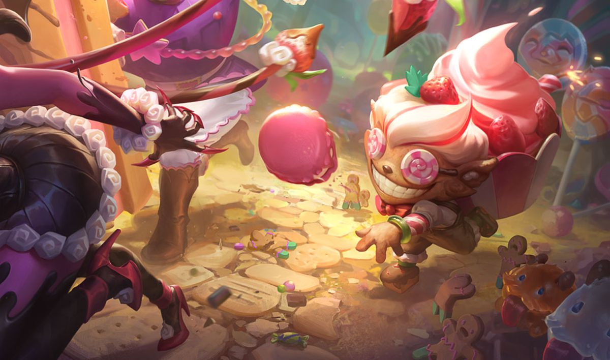 Sugar Rush Ziggs throws a sugary bomb at an escaping Evelynn