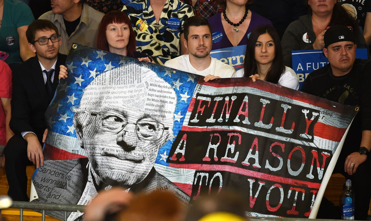 """Sanders """"Finally a reason to vote"""" banner"""