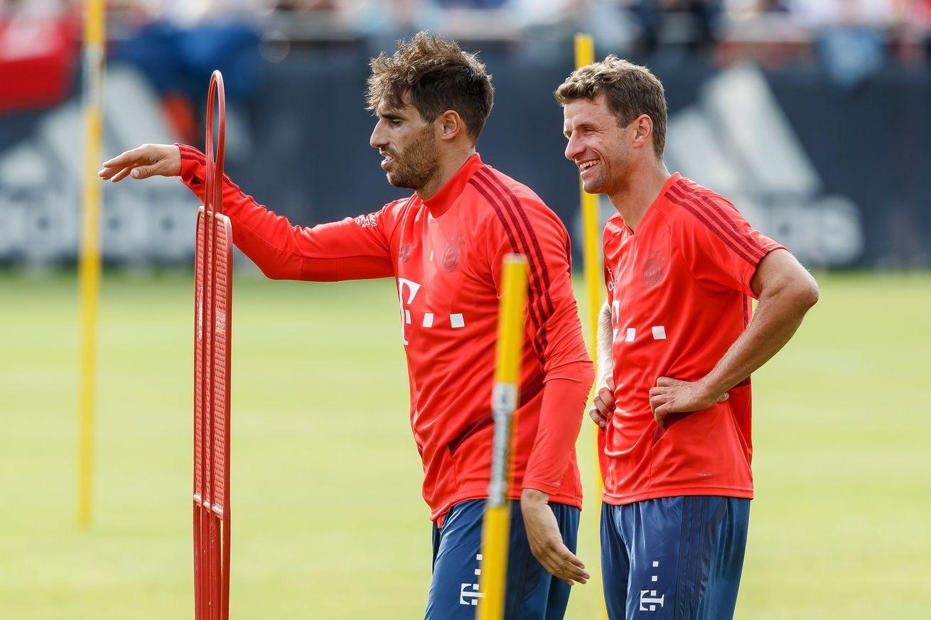 """Will Bayern Munich offer Thomas Müller and Javi Martinez new contracts"""""""