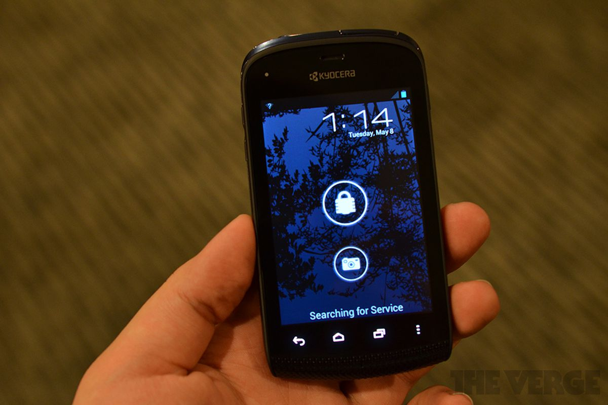 Waterproof Kyocera Hydro launches August 3rd on Boost ...