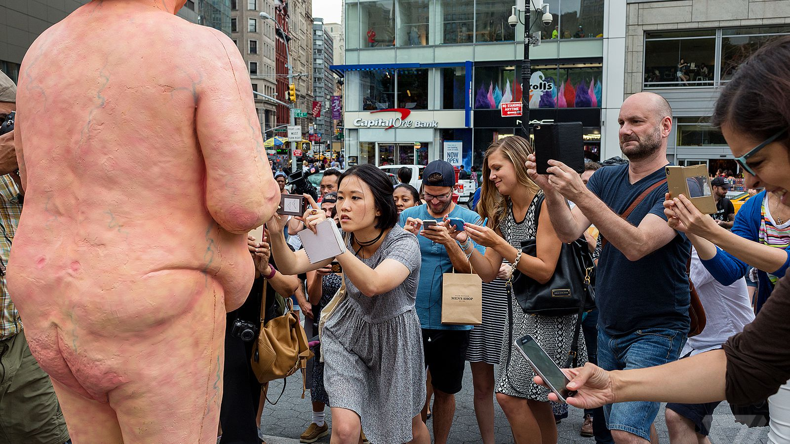 11 Photos Of Nycs Naked Trump Statue - The Verge-8429