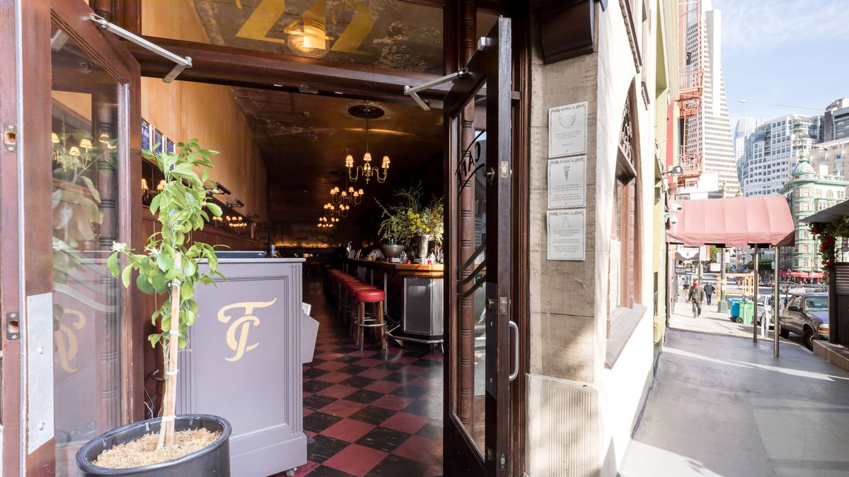 Tosca Cafe entrance