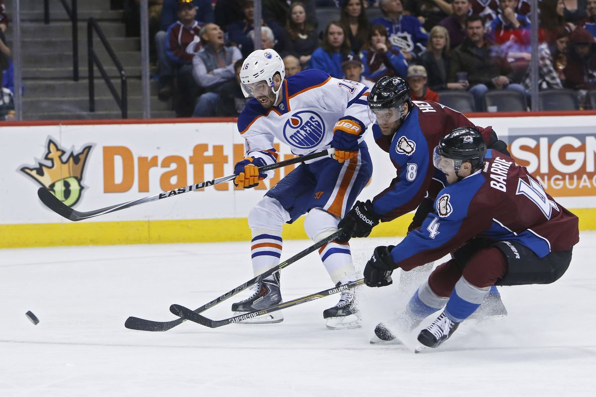 Oilers fans were appalled by the the Avalanche's pathetic defence and watched disgustedly through their fingers.