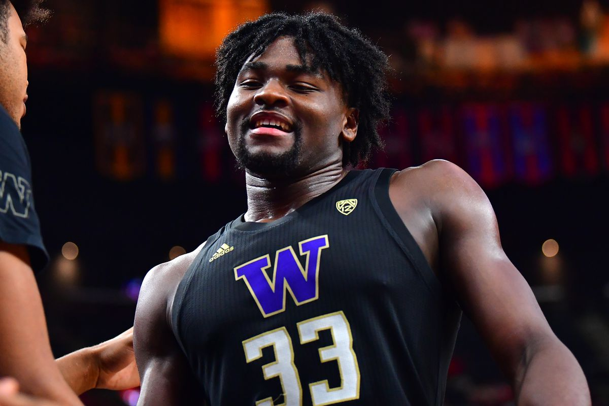 Washington Huskies forward Isaiah Stewart is pictured returning to the bench during the second half against the Arizona Wildcats at T-Mobile Arena.