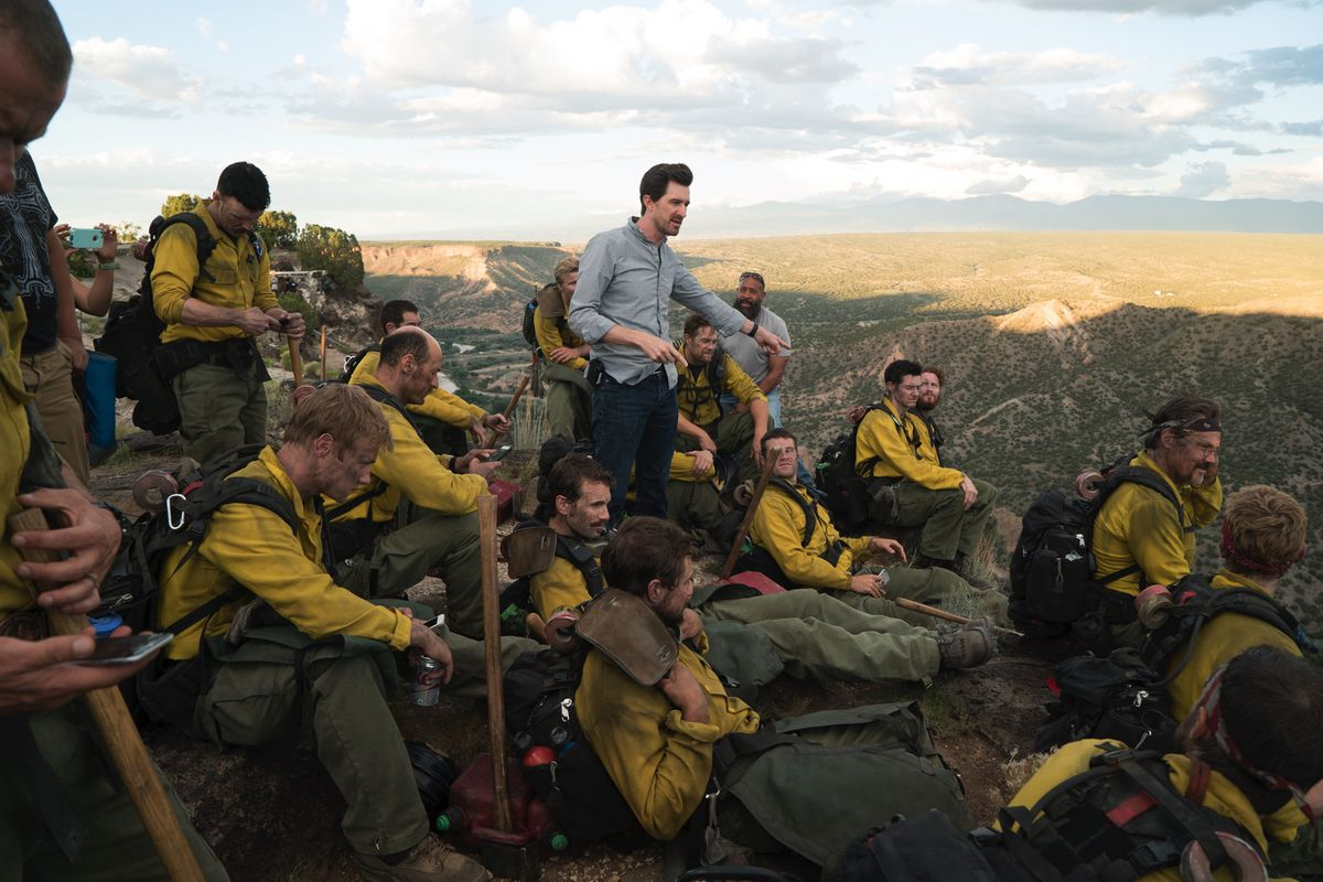 Why Only The Brave Director Joseph Kosinski Left Science Fiction - 29 real life heroes