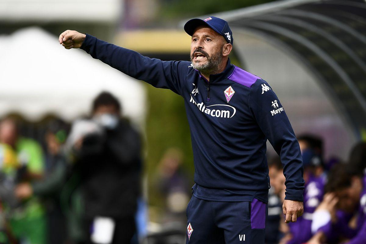 Vincenzo Italiano, head coach of ACF Fiorentina, reacts...