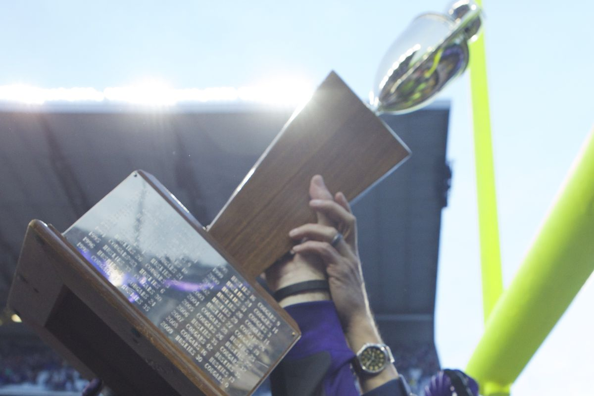 What trophy will the Huskies be hoisting in 2014?