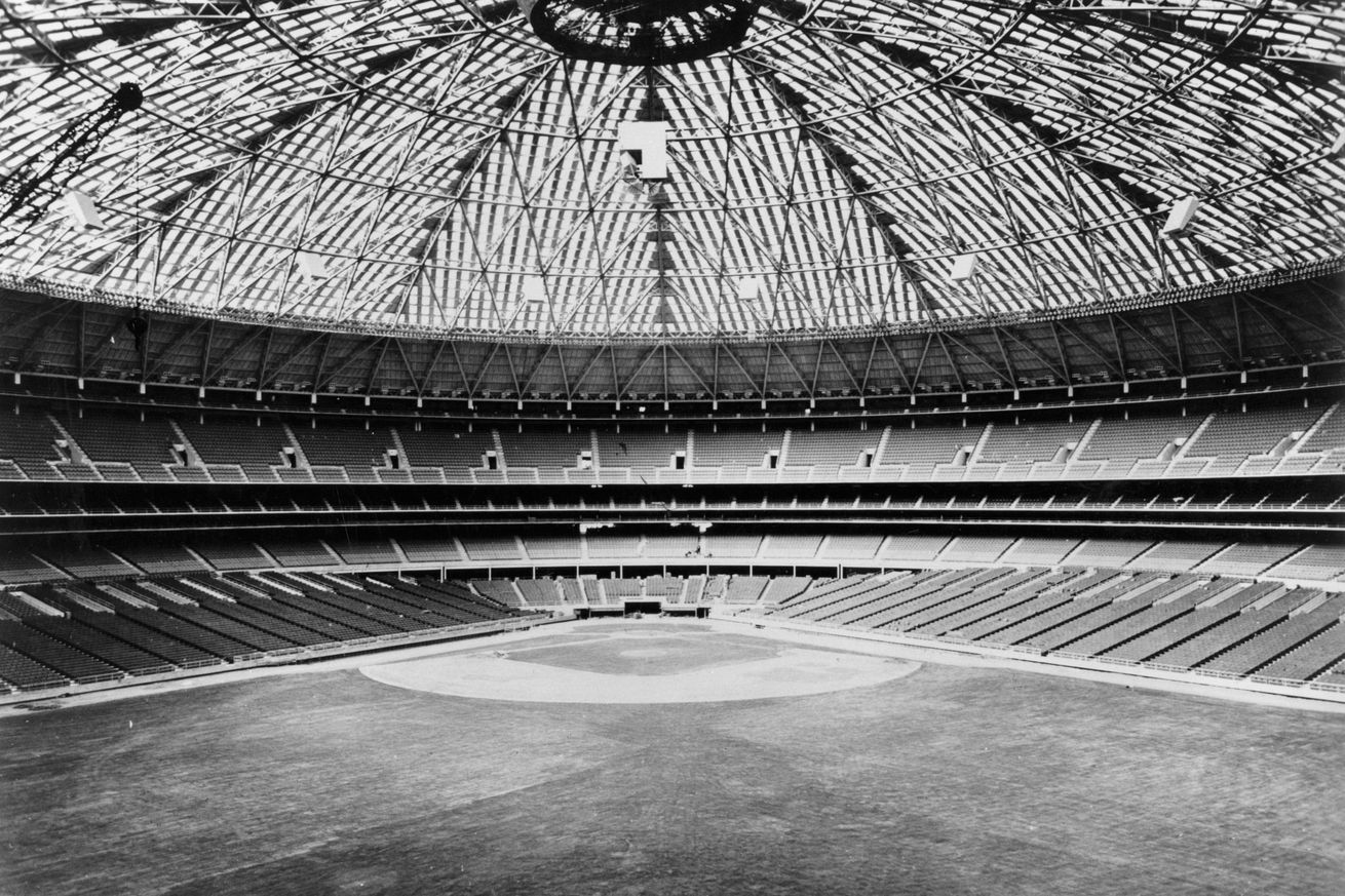 GettyImages 3308929.0 - 1965 Yelp Reviews of the Houston Astrodome