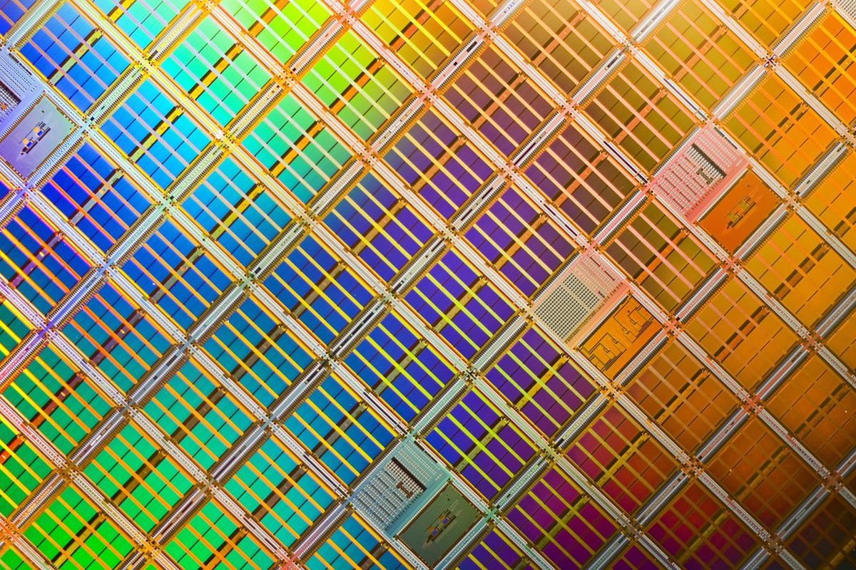 """via <a href=""""http://media.corporate-ir.net/media_files/irol/19/196520/images/products/Micrograph_of_multiple_4_Mbit_die_on_a_silicon_wafer.jpg"""">media.corporate-ir.net</a>"""