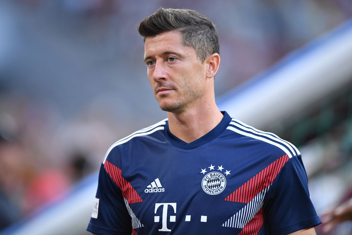 f3deaf4344e Bayern Muenchen v Manchester United - Friendly Match MUNICH, GERMANY -  AUGUST 05: Robert Lewandowski of Bayern Muenchen looks on during the  friendly match ...