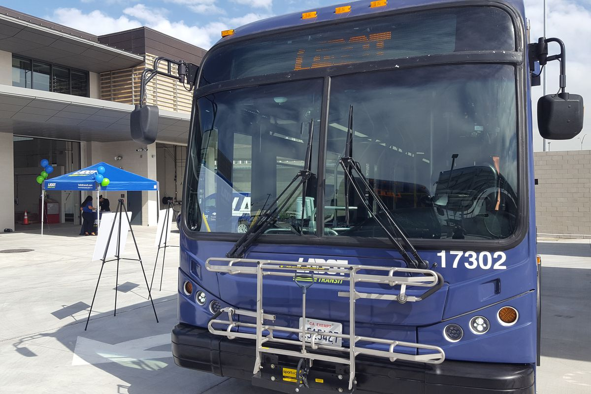 La Expands Dash Bus System With New Routes Weekend