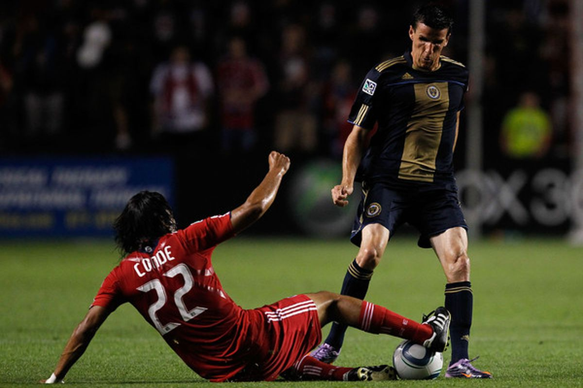 You will not have the ball, says a Sebastian Le Toux without eyes. (Photo by Jonathan Daniel/Getty Images)