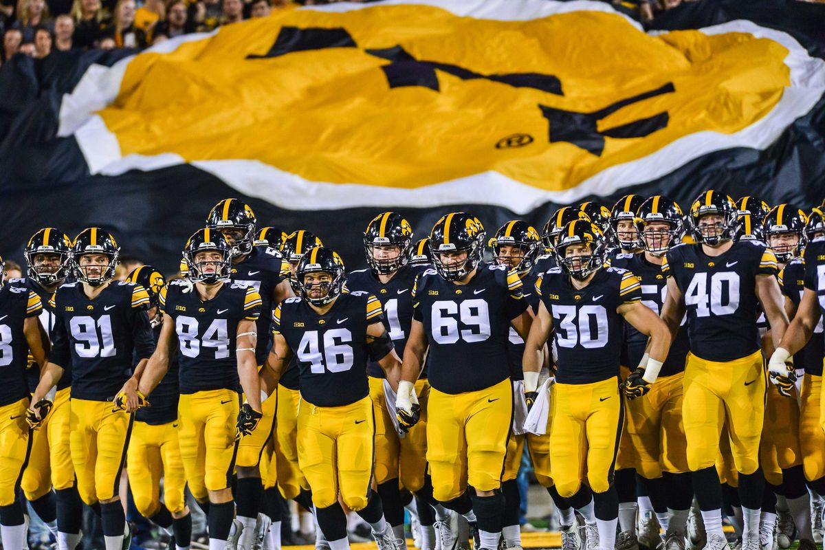 Iowa Football Recruiting Hawkeyes Sign Two More In Class Of 2019