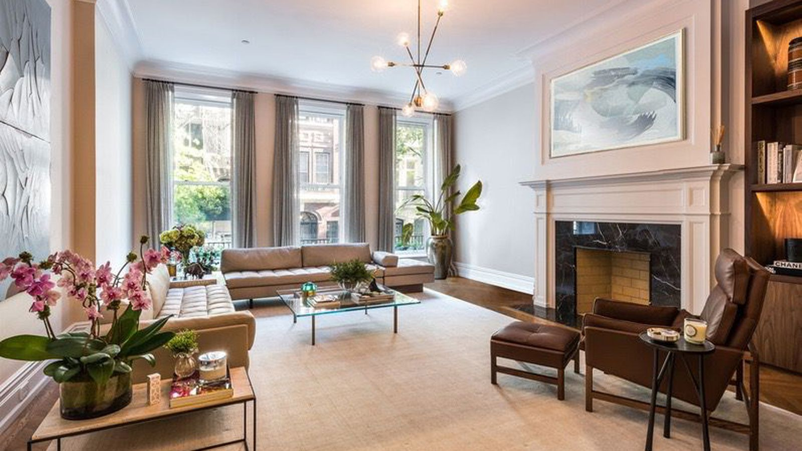 Upper east side townhouse with roof garden astroturf for Upper east side townhouse for rent