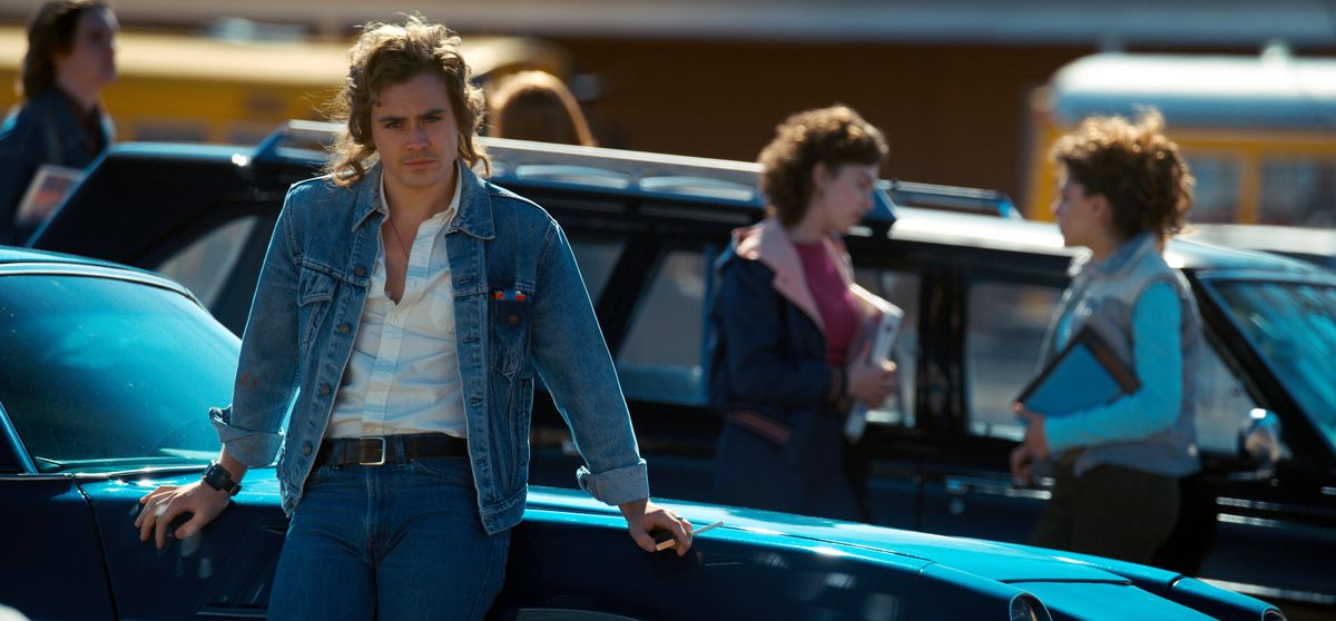 Dacre Montgomery as Billy in Stranger Things 2.