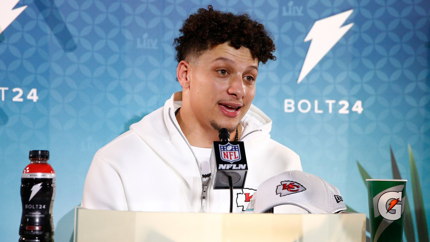 Mahomes in the Spotlight, Jimmy G Expectations, Sneaky Impact Players, and More From Media Night