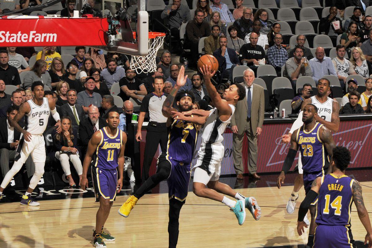 Los Angeles v San Antonio Spurs