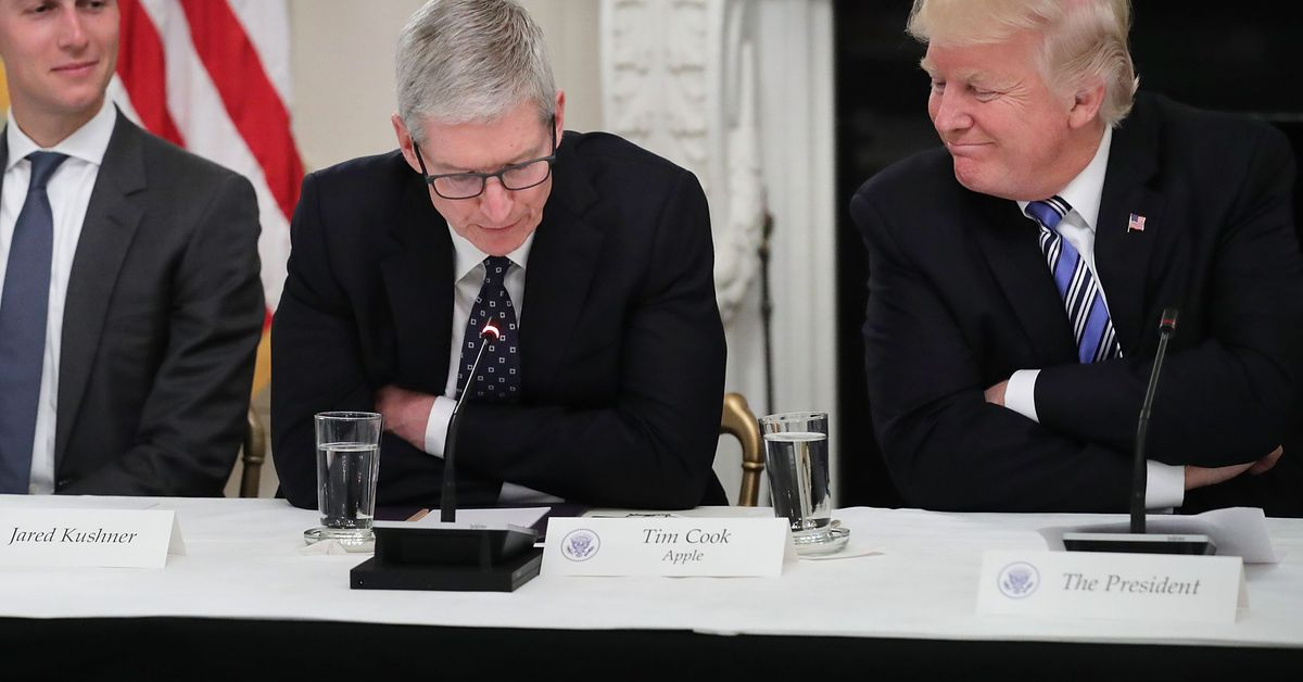 The president just called the CEO of Apple 'Tim Apple'