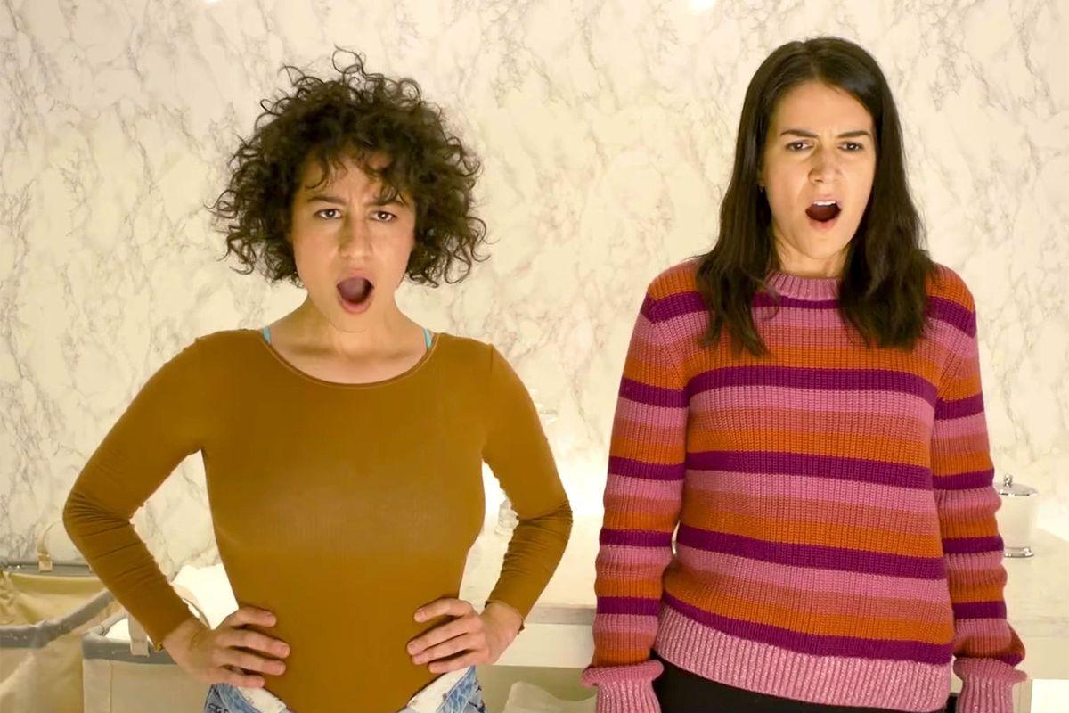 Ilana Glazer as Ilana and Abbi Jacobson as Abbi in season 4 of Broad City.