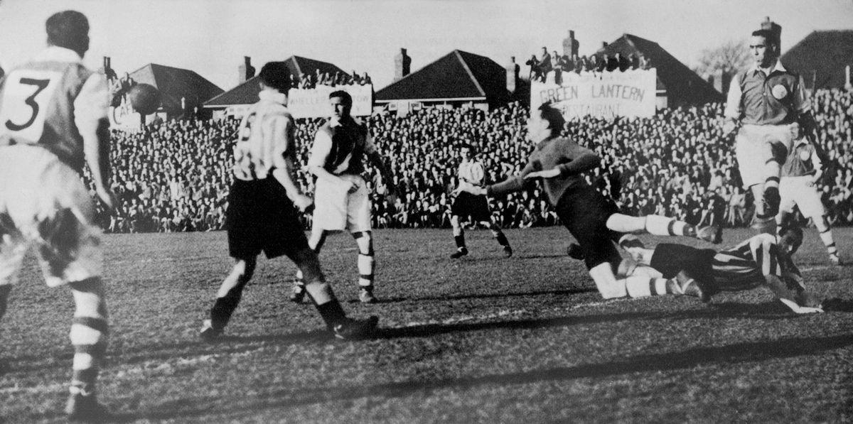 Soccer - FA Cup - Fourth Round - Yeovil Town v Sunderland
