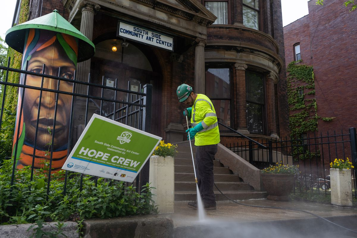 Renovation of South Side Community Art Center gets boost from National Trust for Historic Preservation work p…
