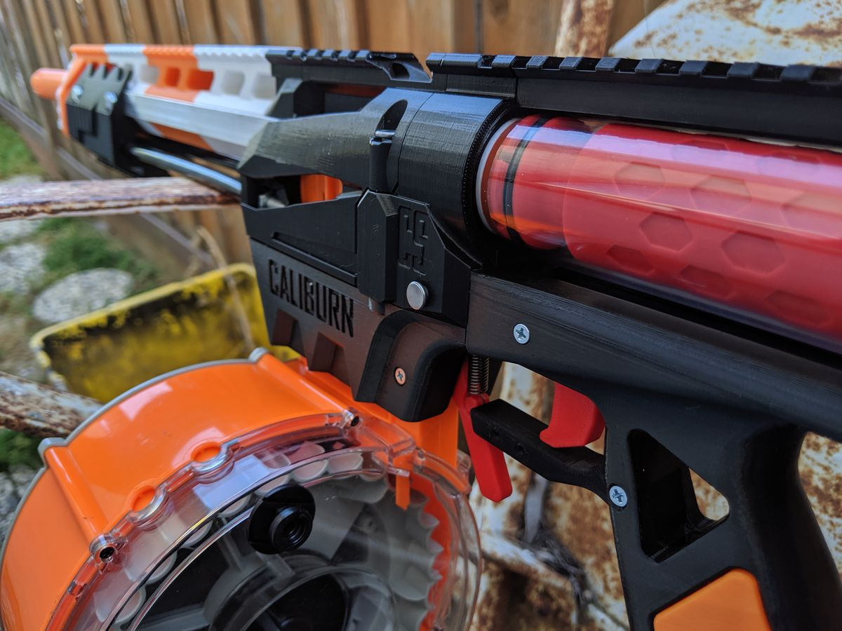 A closer look at the Caliburn blaster, a long rifle with 3D printed parts.
