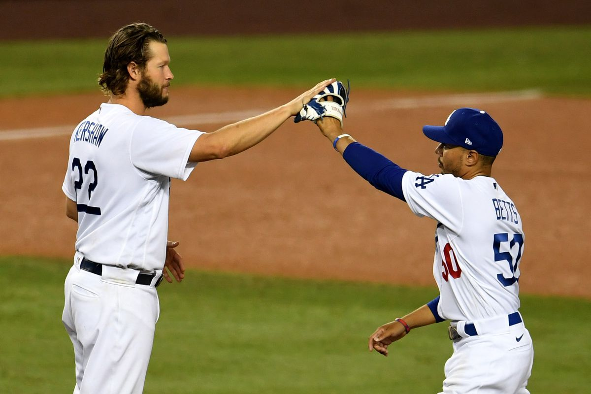 Los Angeles Dodgers defeat the Milwaukee Brewers 3-0in the wild card to advance ti the NLDS.