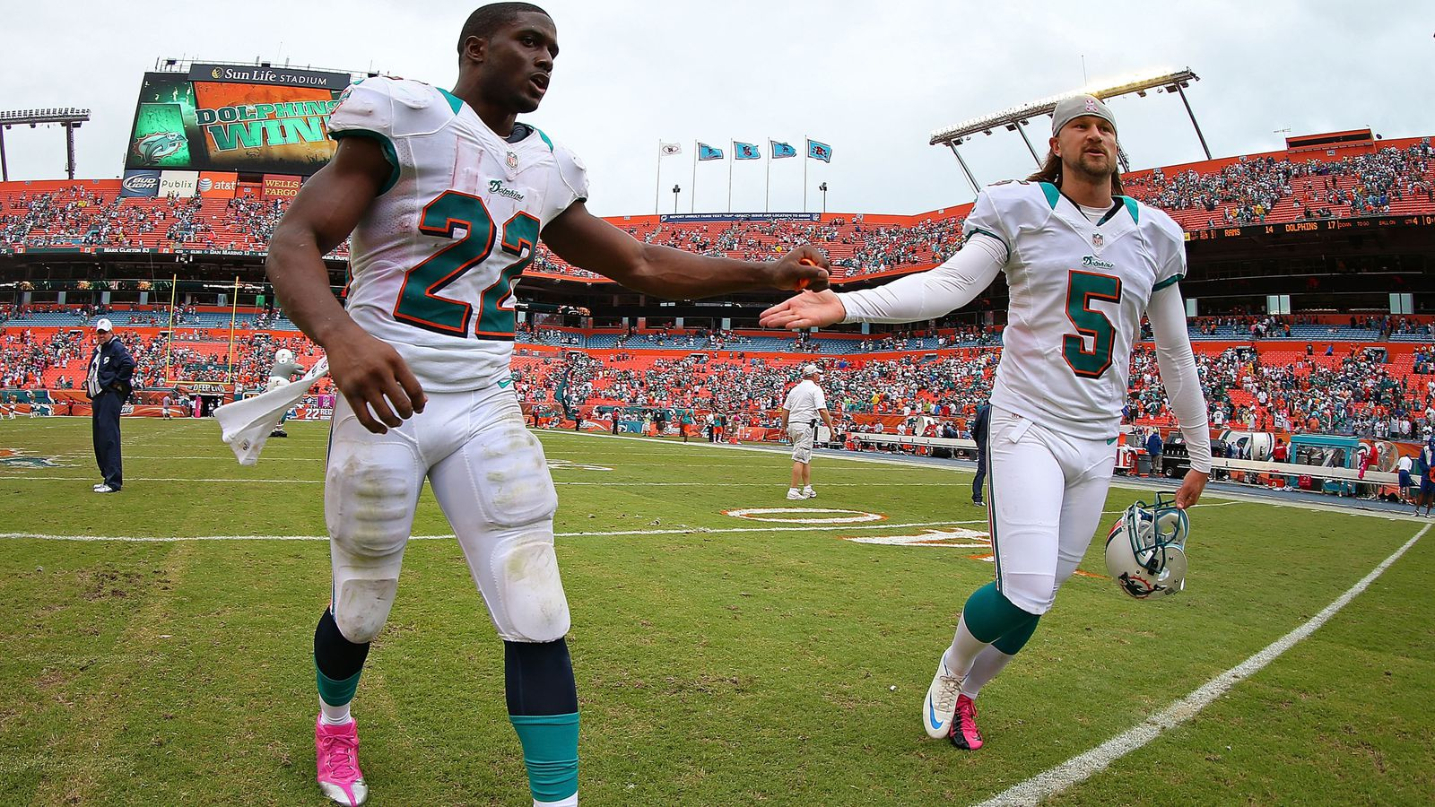 Dolphins Fend Off Rams Rally For Win Sbnation Com